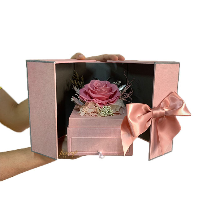 Preserved Rose Gift Set